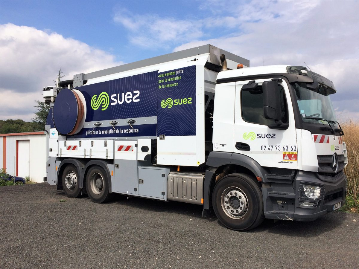 SUEZ : campagne de flocage des véhicules SUEZ, camions, utilitaires, VU, 387 véhicules en 2017